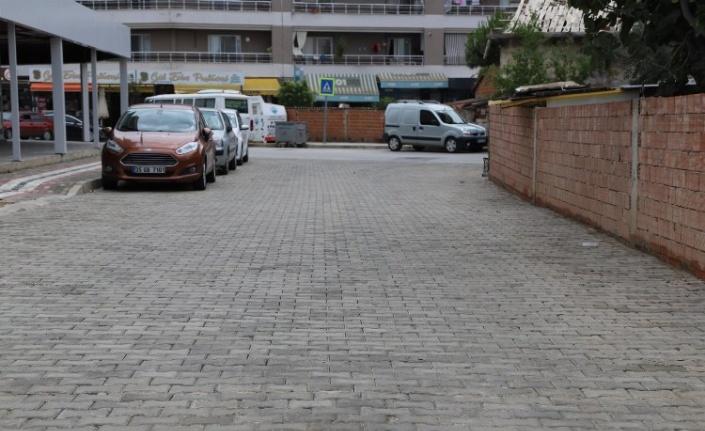 İzmir Menderes'te üst yapı çalışmalarına devam