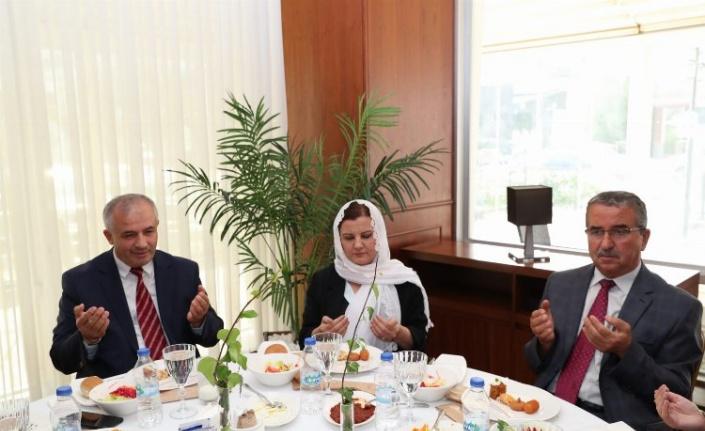 İzmit Belediye Başkanı Hürriyet, din görevlileri ile buluştu