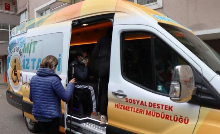 İzmit'te engelsiz taksi yardıma koştu