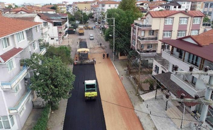Gölcük'te asfalt çalışması