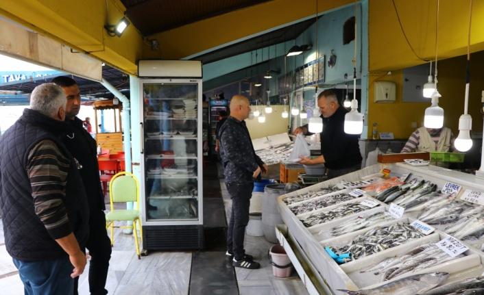 Marmara'daki lüfer bolluğu vatandaşı da balıkçıyı da sevindiriyor