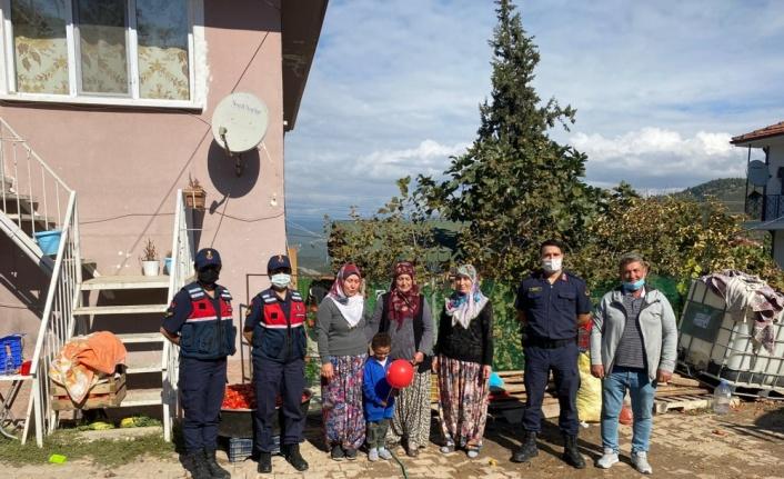 Osmaneli'nde jandarma ekipleri köylerde KADES'i anlattı