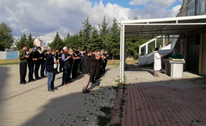 Tekirdağ'da eski eşinin tabancayla öldürdüğü kadının cenazesi defnedildi