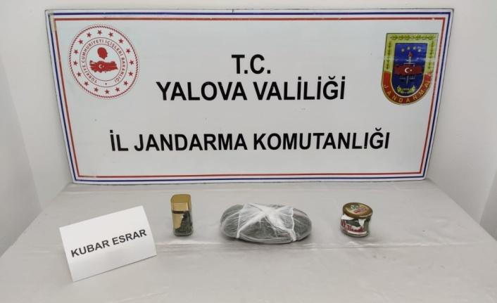 Yalova'da uyuşturucu ele geçirilen aracın sürücüsü gözaltına alındı