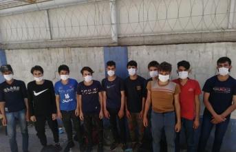 Kocaeli'de 19 düzensiz göçmen muhafaza altına alındı