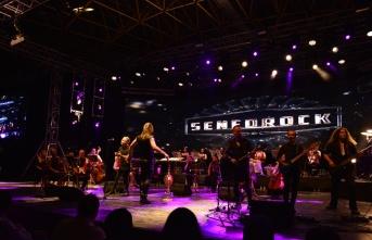 Uluslararası Bursa Festivali'nde Senforock Orkestrası konser verdi