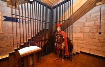 Bursa'daki Zindan Kapı restorasyonun ardından açıldı