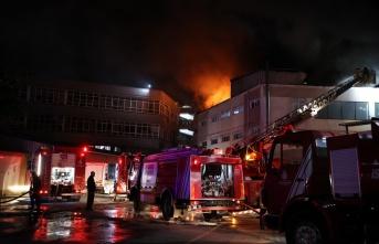 İstanbul'da bir iş yerinde yangın çıktı