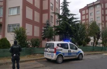 Kocaeli'de evde çıkan yangında dumandan etkilenen kişi tedavi altına alındı