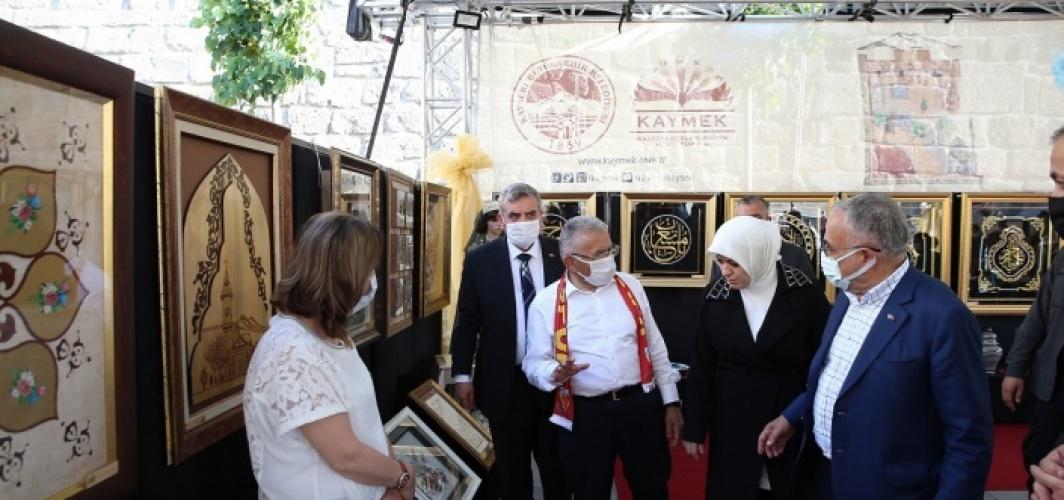Kayseri Büyükşehir'den tarihi kalede sanat sergisi