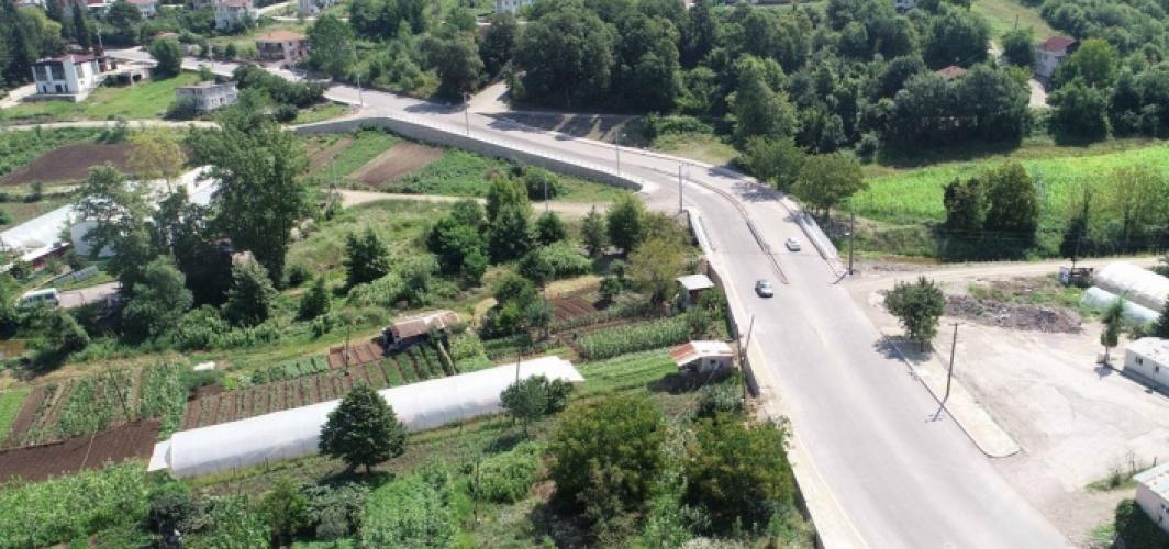 Başiskele'de caddeler asfalta kavuştu