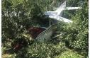Meyve bahçesine acil iniş yapan eğitim uçağı...