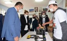 """Özel eğitim okulları """"TÜBİTAK 4006 Bilim Fuarı"""" sergisi açtı"""