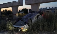 Kullandığı araçla kaza yapan ehliyetsiz sürücü babasına sarılıp ağladı