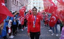 Olimpiyatlarda tarih yazan İlgün coşkuyla karşılandı