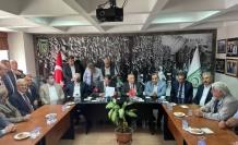 CHP Grup Başkanvekili Özel, Bursa'da esnaf temsilcileriyle bir araya geldi: