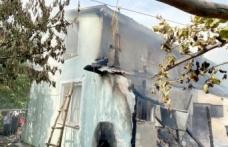 Karamürsel'de çıkan yangında ev hasar gördü