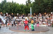 İzmit'te 'Müzikli Çocuk Masalları' ile eğlendiler
