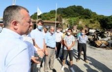 Kandıra Limanı'ndaki yangınzedelere Başkan Büyükakın'dan ziyaret