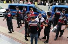 Kocaeli'de evinde saldırıya uğrayan kişinin ölümüne ilişkin 3 şüpheli tutuklandı