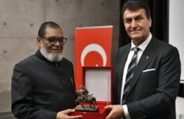 Bangladeşli Bakan Huq 'Panorama 1326 Bursa Fetih Müzesi'ni ziyaret etti