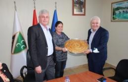 CHP'li Tuncay Özkan'ın, İzmir Bosna Sancak Derneği ziyareti