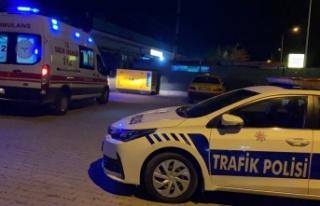 Edirne'de hafif ticari araçla taksi çarpıştı:...