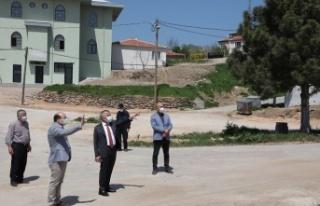 Kırklareli Valisi Bilgin, yeni yapılan köy camisinde...
