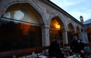On bir ayın sultanı ramazanın son iftarı Edirne'de...