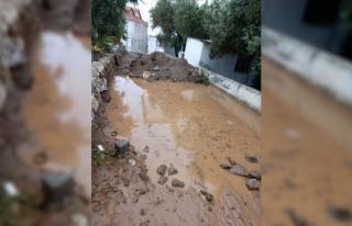 Balıkesir'in Marmara ilçesinde sağanak ve fırtına...