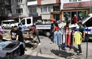Bursa Osmangazi'de kaldırımlar işgalden kurtarıldı