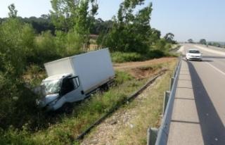 Ezine ve Ayvacık'taki trafik kazalarında 4 kişi...