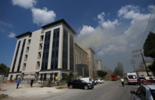 İnşaat halindeki emniyet binasında çıkan yangına...