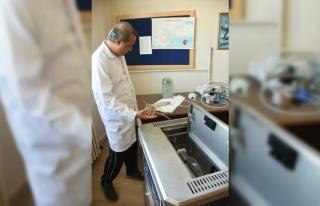 Marmara Denizi'ndeki müsilaj sorunu için laboratuvarda...