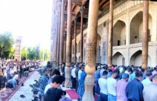 Özbekistan'da ibadete COVID-19 kısıtlaması