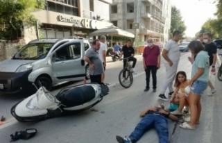Hafif ticari araçla çarpışan motosikletin sürücüsü...