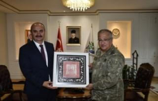 1. Ordu Komutanı Korgeneral Yeni, Edirne Valisi Canalp'i...