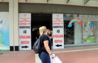 Aşılama oranı en yüksek illerden Edirne'de mobil...