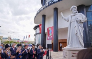 Bilecik'te Şeyh Edebali heykeli ve Kayı Anıtı...