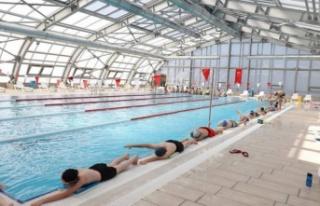 Bursa İnegöl'de yüzmede kış hazırlığı