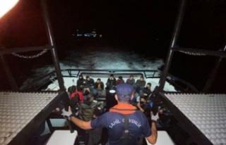 Çanakkale açıklarındaki gemide bulunan 35 düzensiz...