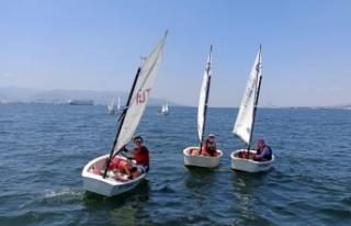 İzmit Körfezi yelken yarışlarına ev sahipliği...