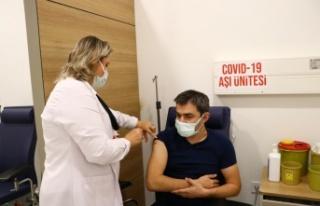 Tekirdağ Sağlık Müdürü Ali Cengiz Kalkan aşı...