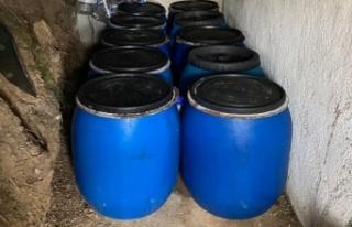 Çanakkale'de bağ evinde 3 bin 235 litre sahte içki...