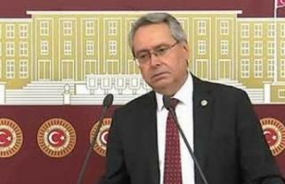 """CHP'li Zeybek: """"Öğretmenler verilen maaşla..."""
