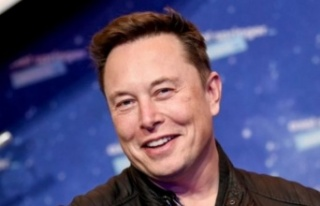 Elon Musk'tan Bezos'a gümüş madalya şakası...