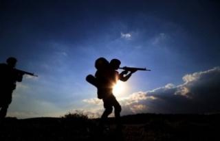 Fırat Kalkanı Harekatı Bölgesi'nde 1 asker...