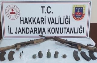 Hakkari Yüksekova'da silah ve mühimmat ele...