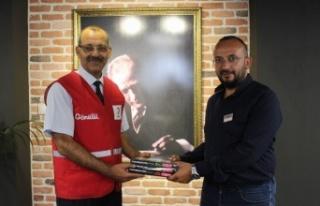 İzmir Gaziemir'de ücretsiz test kitabı projesi...