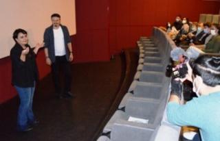 İzmirli ödüllü yönetmenin filmi ilgiyle izlendi...